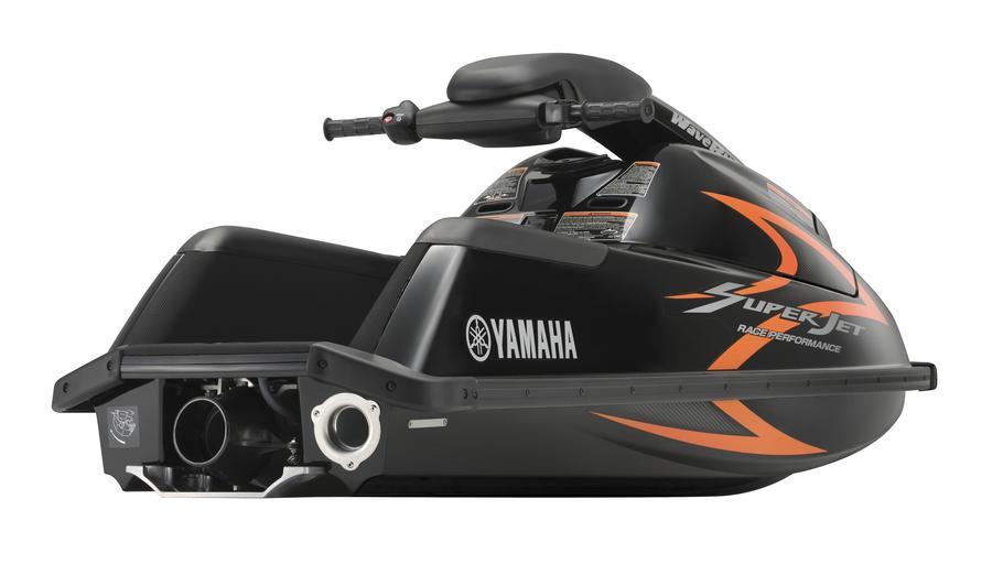 SUPERJET-700-EU-Yamaha-Black-Detail-003