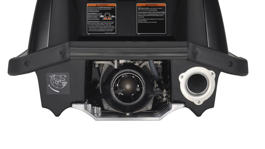 SUPERJET-700-EU-Yamaha-Black-Detail-004