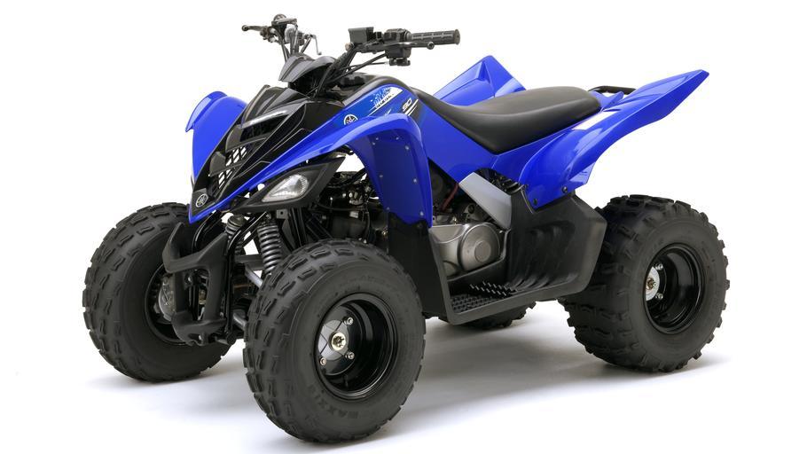 YFM90-EU-Racing-Blue-Studio-007