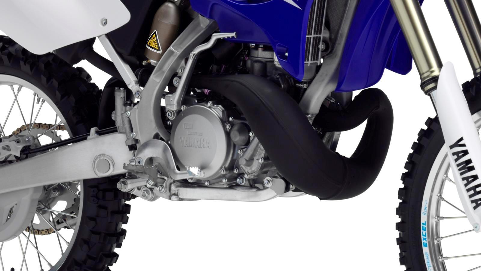 YZ250-EU-Racing-Blue-Detail-001_osob