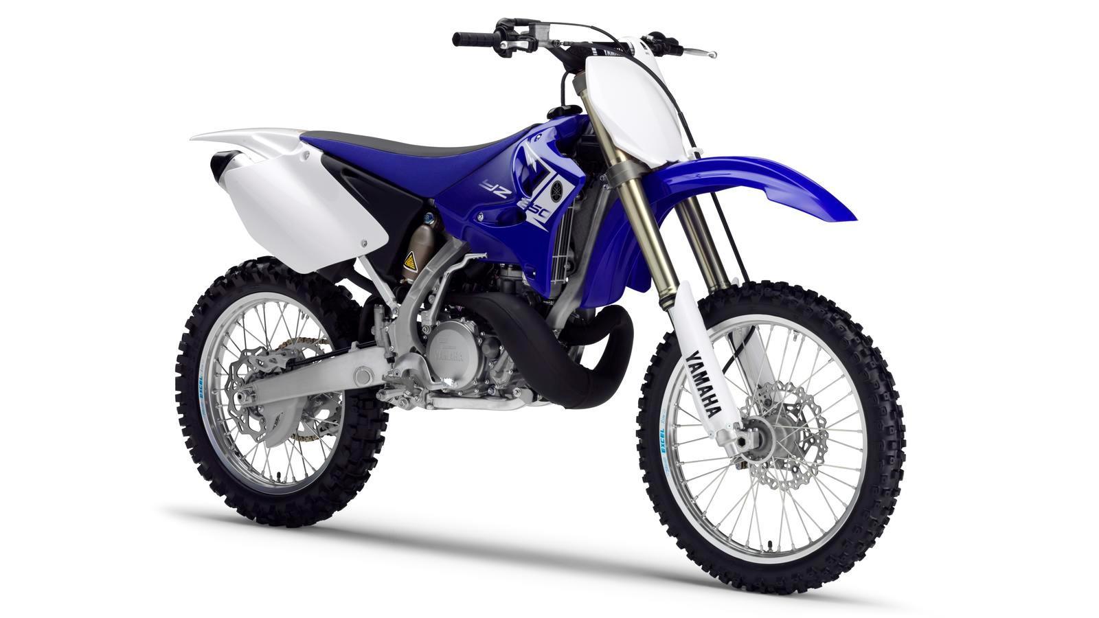 YZ250-EU-Racing-Blue-Detail-002_osob