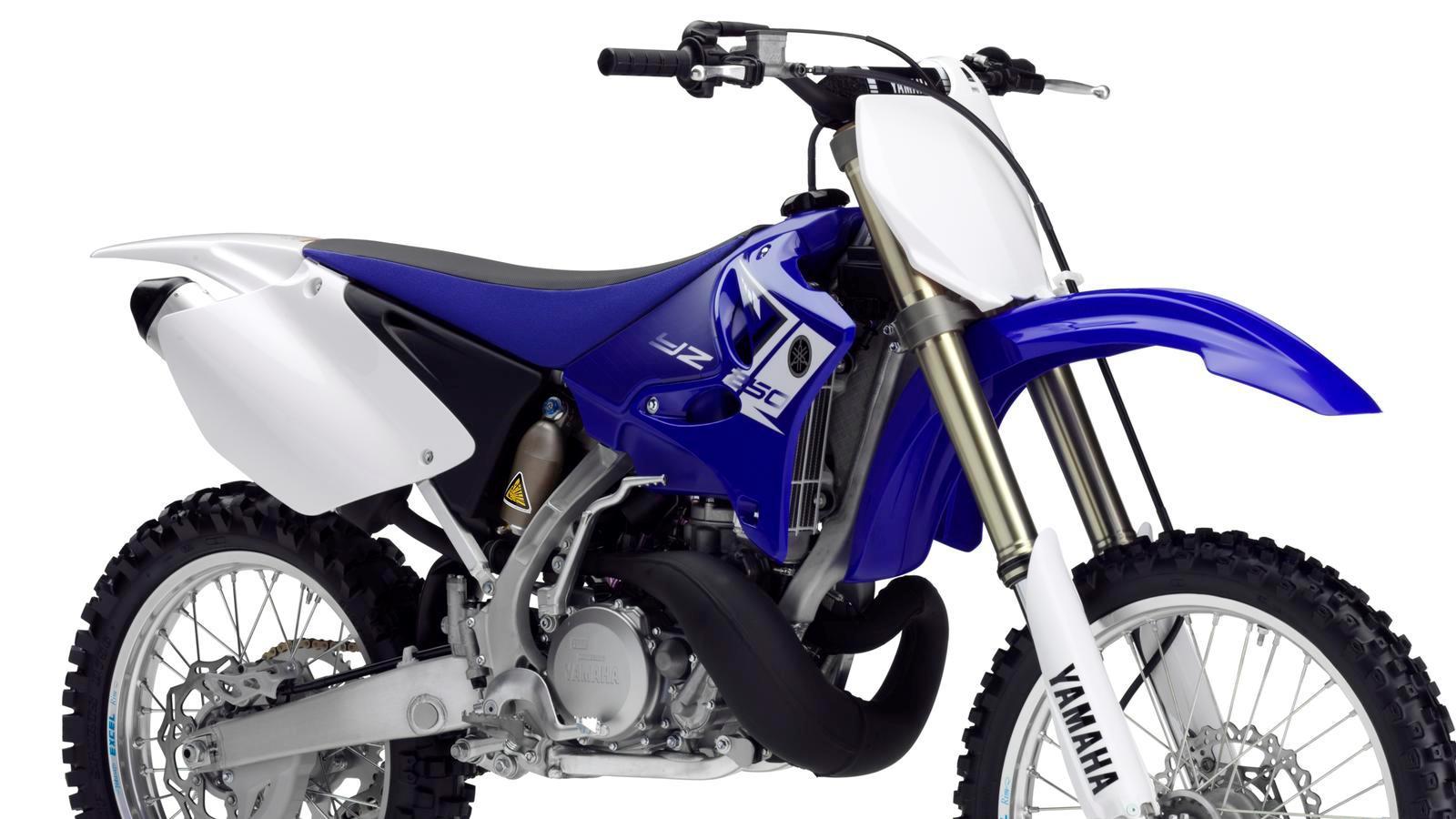 YZ250-EU-Racing-Blue-Detail-004_osob