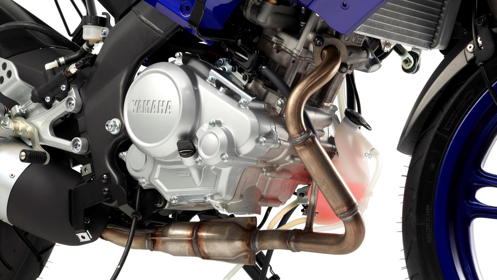 2013-YZF-R125-EU-Race-Blu-Detail-001-osob