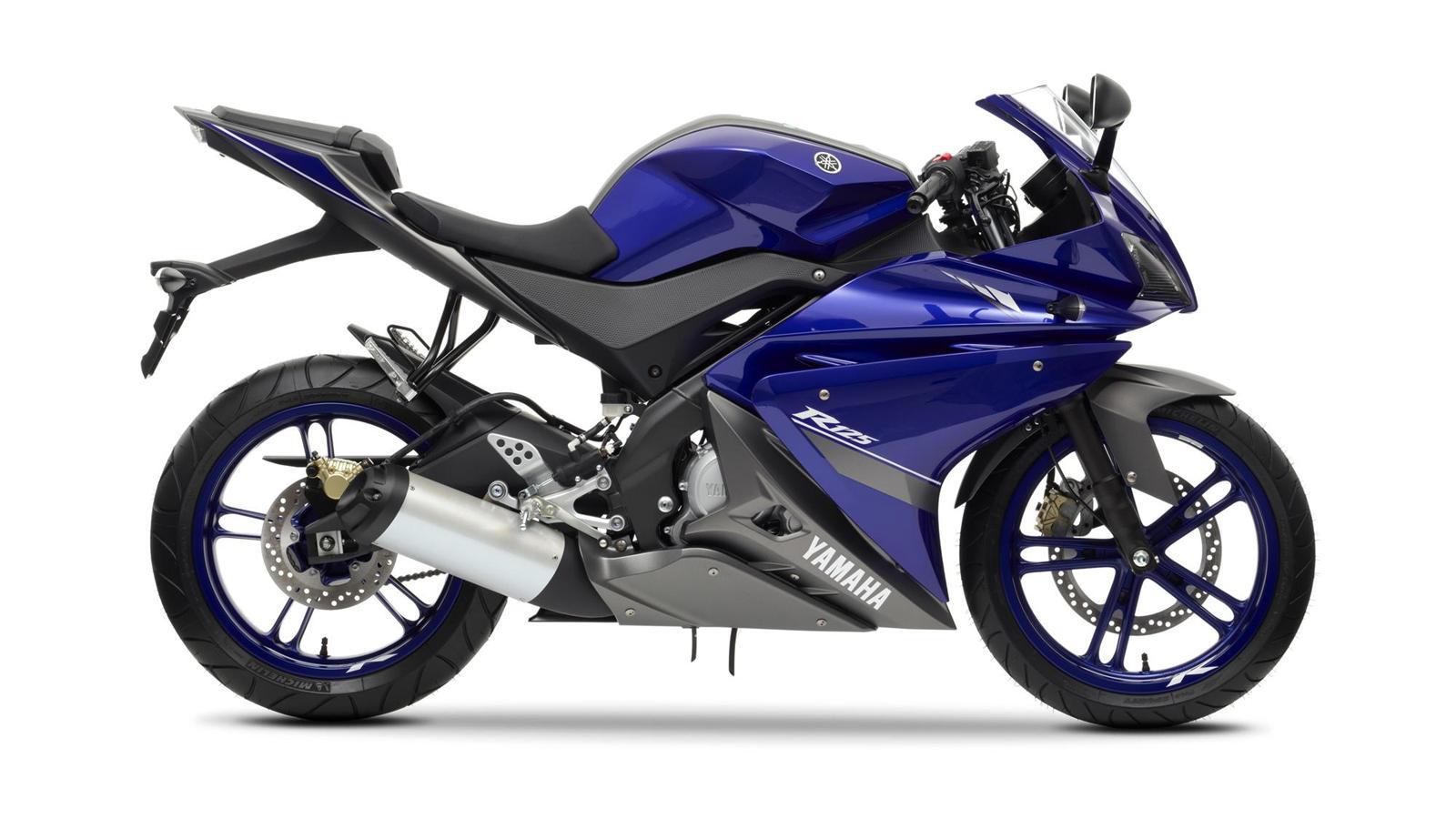 2013-YZF-R125-EU-Race-Blu-Studio-002-osob
