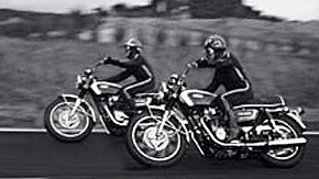 1970_Yamaha_XS-1-action